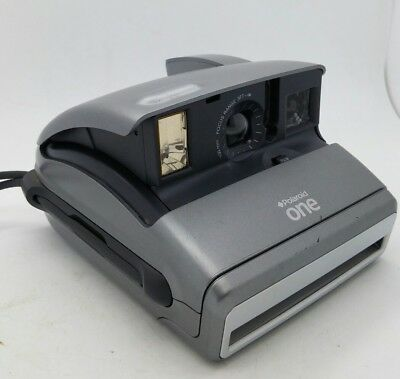 Polaroid ONE instant Camera in great working order TESTED