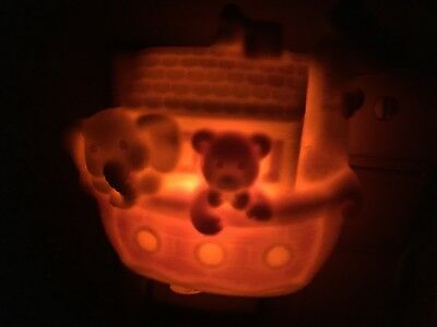 Precious Moments Ceramic Noah's Ark Baby Room Night Light. Enesco 346594P 1993