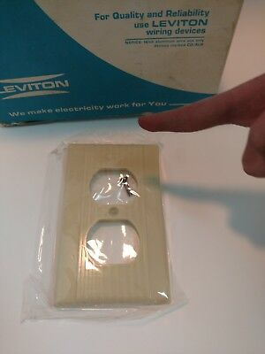 1 Vtg Leviton Ribbed Lines Ivory Bakelite Outlet Plate Wall Cover Art Deco NOS