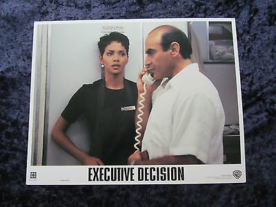 Executive Decision lobby card # 2 Kurt Russell, Halle Berry