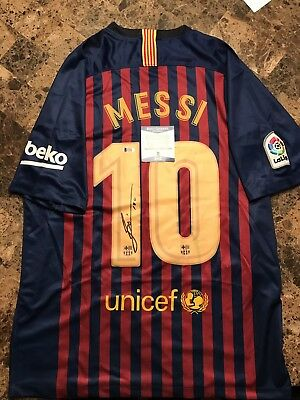 "7a103e2d3 LIONEL MESSI SIGNED FC Barcelona Nike soccer jersey with Inscription ""Leo"""