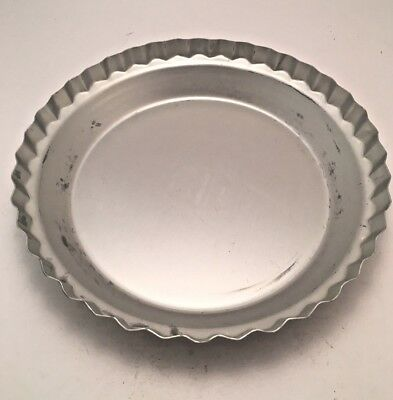 Vintage Wear-Ever Aluminum 10 x 1 3/4 Fluted Pie Pan Made in USA