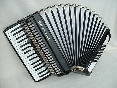 WALTHER PiRAT 72 BASS PiANO AKKORDEON ACCORDiON BLACK Аккордеон