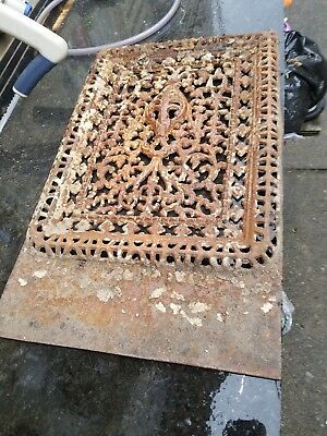 Large Victorian Castiron Grate Many Details 23x14