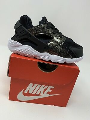 16699c81f9703 BABY GIRL: NIKE Huarache Run SE Shoes, Black & Gold Sparkle - Size ...