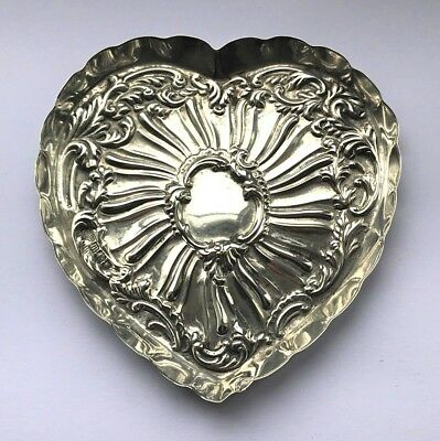 Antique Edwardian Silver Heart Shaped Dish - Goldsmiths & Silversmith Co - 1907