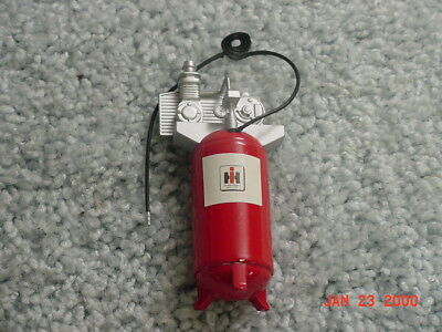 1/16 Ih International Harvester Farmall Upright Air Compressor