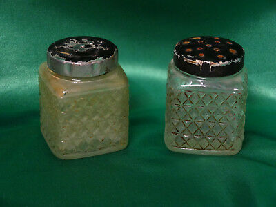 Vintage Square Salt and Pepper Shakers Clear Glass with Black metal caps bg