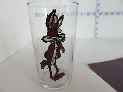Vintage  Canadian Issue Tim Hortons Wile E Coyote 1978 Drinking Glass Tumbler