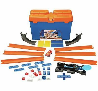 Hot Wheels Epic Track Builder Starter Set.