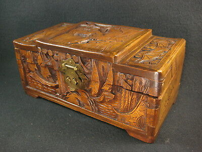 Vintage Chinese Early 20Th Century Lidded Camphor Wood Chest Bat