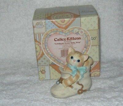 Enesco - Calico Kittens - Celebrate Every Baby Step - Kitty in Shoe - # 314528