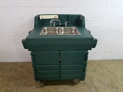 Cambro KSC402 Portable 2 Compartment Hand Washing Sink Tested Hot & Cold 120v