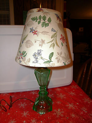 Vintage Small Size Lamp Opalescent Green Glass w/Floral Shade Design Works Great