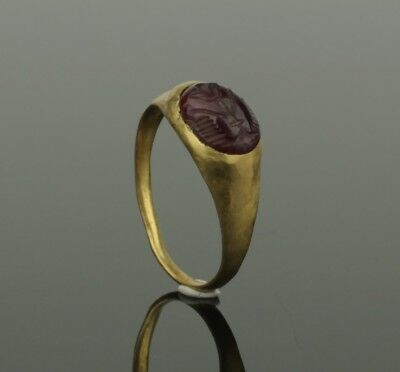 Ancient Roman Gold Intaglio Ring - Circa 2Nd Century Ad   023