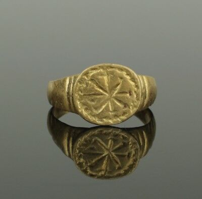Ancient Roman Gold Chi Rho Inscribed Ring - Circa 2Nd C Ad