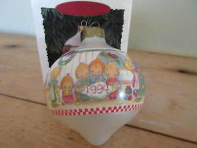 HALLMARK Betsey's Country Christmas Ornament- 3rd in Collector's Series-1994