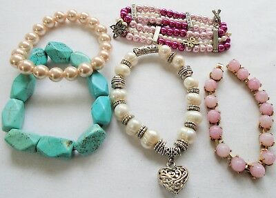 Five attractive vintage bracelets (pearl, silver metal, turquoise beads etc)