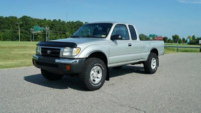 2000 Toyota Tacoma WE CAN FINANCE 100% FOR 6 YEARS ABSOLUTLEY PRISTINE / TONS OF NEW PARTS AND SERVICES / MUST SEE