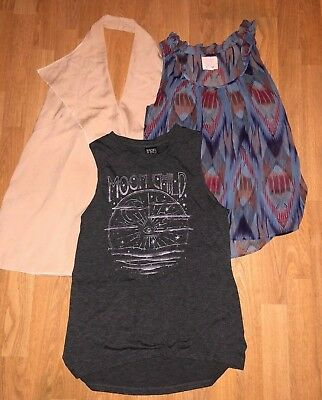 Lot of 3 Women's Sleeveless Blouse's - Quiksilver, Modern Lux, Manito - Size M