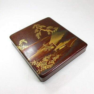 G987: Japanese old lacquered ink stone case with very good MAKIE of landscape