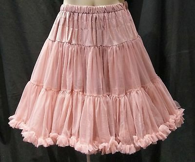"""Banned Apparel Walkabout Petticoat, 20"""", Vintage Pink."""