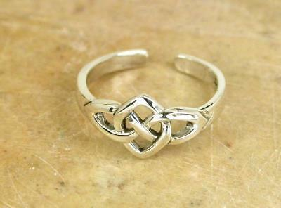 PRETTY STERLING SILVER CELTIC KNOT ADJUSTABLE TOE RING  style# tr26