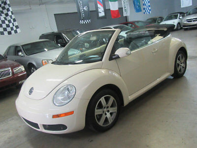2006 Volkswagen New Beetle Convertible 2dr 2.5L Automatic $6700 INCLUDES SHIPPING! 66,000 miles fully loaded Florida nonsmoker garagekept