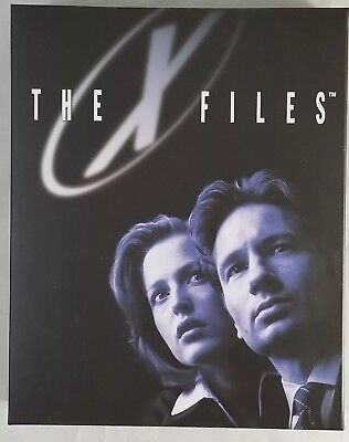 The X-Files Dimensional Poster Loot Crate DX Exclusive 25th Anniversary