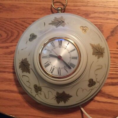 1950s Sessions Metal Electric Wall Clock Toleware Almond w/ Gold Vines, ect...