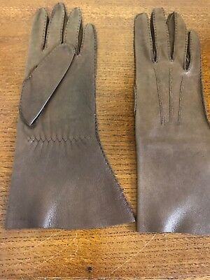 Vintage Womans Leather Soft Whip stitched Gloves Small Woman or Girl