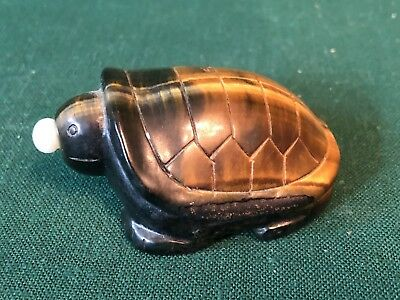 Beautiful Vintage Carved Chinese Tiger Eye Stone Snuff Bottle Turtle