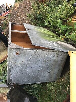 Large Galvanised Rivited Tank Trough Planter Rare Size And Shape Centre Piece
