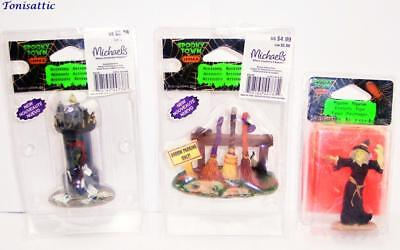 LEMAX Spooky Town Lot: Spookytown Post, Broom Parking Rack, Witch Casts Spell