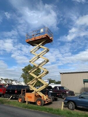JLG 40 RTS SCISSOR SIZZOR LIFT 4x4x2 COMPLETELY OPERATIONAL LOW HOURS