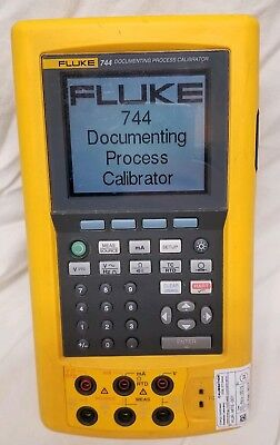 Fluke 744 Documenting Process Calibrator HART with 5 Batteries