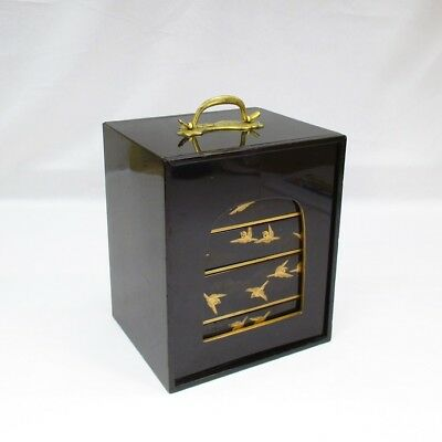 G573: Rare Japanese old lacquered tier of drawers with good MAKIE of sparrows
