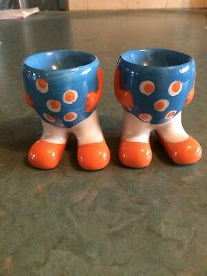 2 x Ceramic Novelty Egg Cups with Feet