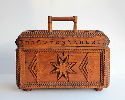 Rare & unique chip-carved SEWING BOX ** BLACK FOREST** FOLK ART ** 19th Century