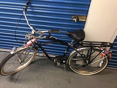 vintage schwinn cruiser bicycle