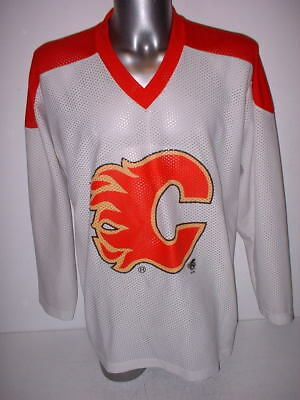 Calgary Flames Adult Large Olympics Ice Hockey Shirt Jersey NHL Top Vintage  Old 415f2d9f0