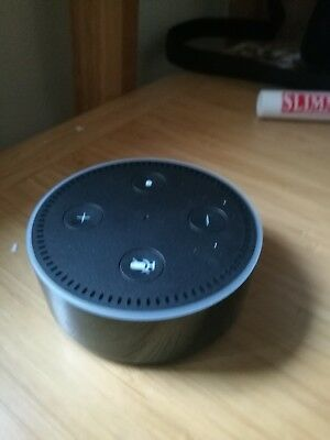 amazon echo dot 2nd generation black comes with plug and lead