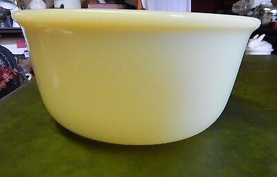 Vintage Custard Glass Kitchen Mixing Bowl  GREAT FOR CHRISTMAS