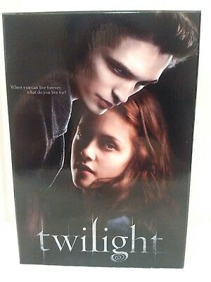 Twilight Saga Music Box Jewelry Box plays Bella's Lullaby +Crest Locket NEW RARE