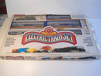 Bachmann HO Scale Electric Train Set Complete Ready to Run Track Power 495