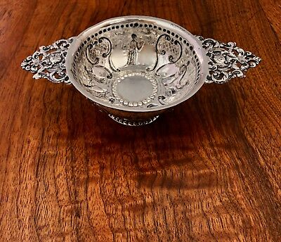 - Unusual Antique Dutch 833 Silver Two Handled Footed Drinking Cup / Tastevin