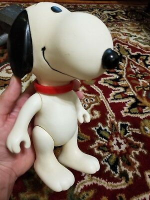 "Vintage 1958-66 Large 9"" Jointed Vinyl Peanuts SNOOPY Figure United Feature Synd"