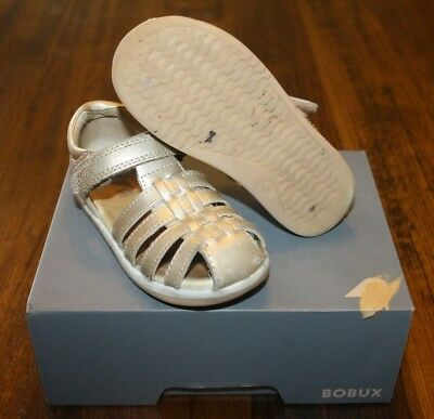 Bobux Girls I-Walk Gold  Skip Sandal.  Size 25 Eu.  In Guc