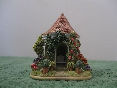 """Lilliput Lane L2626 """"Little Summer House"""" New - Mint in Box with deed."""