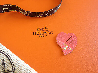 Hermès Petit h mini charm, leather piece -Coeur-